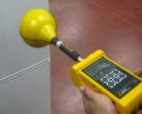 Üretiminde bulunduğunuz ürünün insanların maruz kaldığı Elektromanyetik alanı RadComTest ile test ve ölçümlerini yapabiliriz.